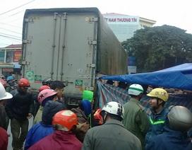 Người phụ nữ chết thảm dưới gầm xe tải biển Lào