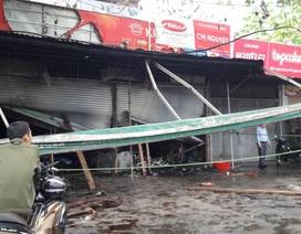 Cửa hàng cháy lớn trong đêm, cả gia đình may mắn thoát nạn
