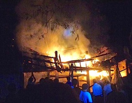 Ba gian chuồng trâu cháy rụi, chủ nhà nhập viện vì quá sốc