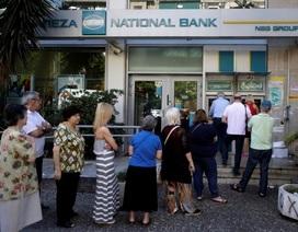 Cuộc khủng hoảng tài chính tại Hy Lạp làm khổ cả người chết