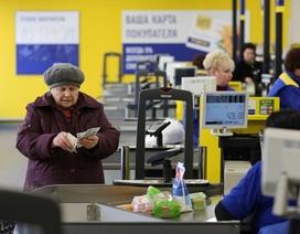 Đồng rúp Nga mất giá: Có nên đổi mệnh giá?
