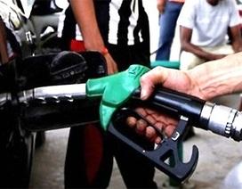 Kịch bản nào cho Việt Nam khi giá dầu giảm chóng mặt?
