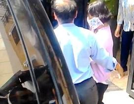 Nữ cán bộ Hải quan sân bay Tân Sơn Nhất câu kết buôn lậu