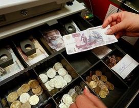 Bộ Tài chính Nga tìm nguồn tiền bù đắp thâm hụt ngân sách