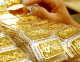 Giảm ngược chiều với thế giới, vàng trong nước vẫn đắt hơn 5 triệu đồng/lượng