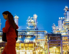 Nhiều quốc gia ồ ạt bán tài sản vì biến động giá dầu