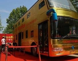 """Doanh nghiệp Trung Quốc """"mạnh tay"""" chi tiền dát vàng cho xe buýt"""
