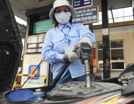 Ai đang từ chối giảm mạnh giá xăng?