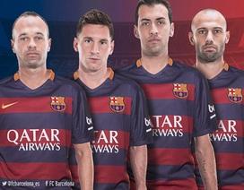 Iniesta chính thức tiếp quản băng thủ quân Barcelona từ Xavi