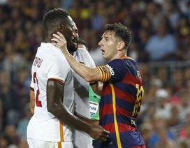 """Messi dùng """"thiết đầu công"""" với cầu thủ AS Roma"""