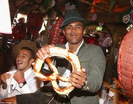 Dàn sao Bayern Munich quậy tưng bừng tại lễ hội bia Oktoberfest