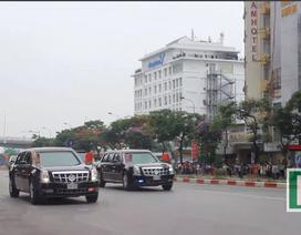 """Đoàn xe của ông Obama """"lướt"""" trên phố, người dân đổ ra đường chào đón"""