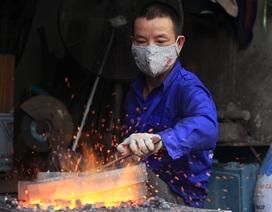 Nghề sống bên lò lửa của thợ rèn Hà Nội