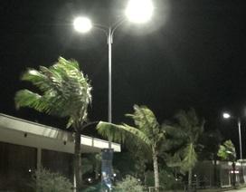 Bờ biển Quảng Ninh nổi gió mạnh trước giờ bão đến
