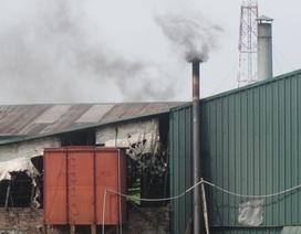 Hàng chục người suýt bị chết ngạt trong đêm vì khói độc của xưởng nhựa