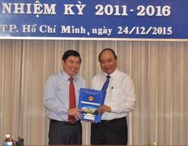 Trao quyết định phê chuẩn ông Nguyễn Thành Phong làm Chủ tịch UBND TPHCM