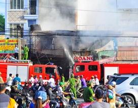Chồng lao vào đám cháy cứu vợ bất thành