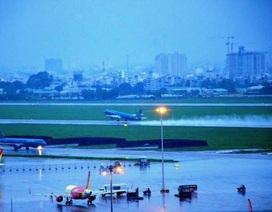 28 chuyến bay không thể đáp xuống Tân Sơn Nhất vì mưa lớn