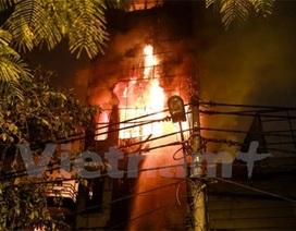 Cháy quán karaoke, 22 người hoảng loạn chạy thoát thân