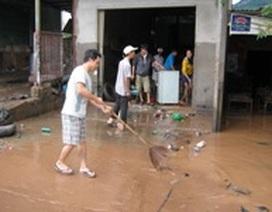Hàng ngàn hộ dân thấp thỏm chờ nước rút