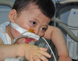 Cậu bé 3 năm không cai được máy thở đã mãi mãi ra đi