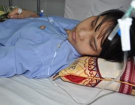 Nữ sinh trường ĐH Vinh nguy cơ cắt bỏ chân vì tai nạn giao thông