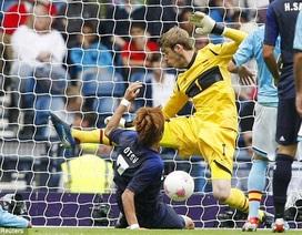 Tây Ban Nha thua sốc trước Nhật Bản trong trận đầu ra quân