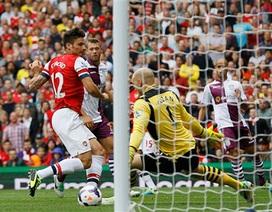 Arsenal ôm hận ngay trận mở màn
