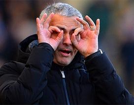 Nhìn lại chiến thắng giúp Chelsea lên ngôi đầu bảng