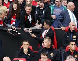 Hình ảnh của Giggs trong trận đấu đầu tiên dẫn dắt MU