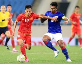 Chơi hơn người, đội tuyển Việt Nam đánh bại Malaysia