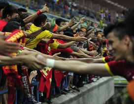 CĐV Việt Nam nghẹn ngào trong ngày U23 Việt Nam chiến thắng