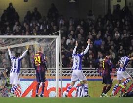 Alba đá phản lưới nhà, Barcelona gục ngã tại Anoeta