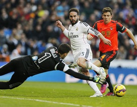 Phục hận Sociedad, Real Madrid vững ngôi đầu bảng