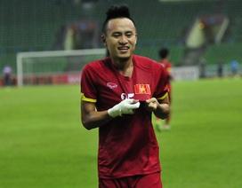 Huy Toàn hạnh phúc khi lần thứ 2 ghi bàn trên sân Shah Alam