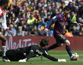 Barcelona 6-1 Vallecano: Messi lập hattrick, Barca đoạt ngôi đầu bảng