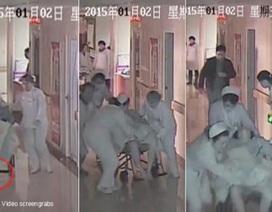 Bé sơ sinh bị kéo lê hơn 10m trong bệnh viện vì đẻ rơi