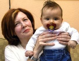Cụ bà 65 tuổi gây tranh cãi đã sinh tư an toàn