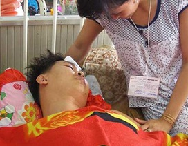 Tài xế xe cấp cứu: Nghề đối mặt tử thần
