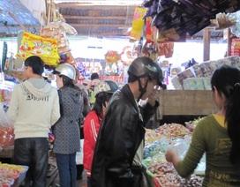 Gia Lai: Sợ giá tăng, người dân rủ nhau đi sắm Tết sớm