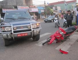 Xe biển đỏ liên tục va chạm trên quốc lộ