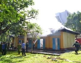 Cháy nhà nài voi trong khuôn viên di tích Biệt Điện