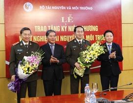 Đại tướng Trần Đại Quang nhận Kỷ niệm chương Vì sự nghiệp Tài nguyên và Môi trường