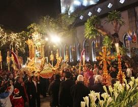 Hình ảnh Lễ rước Chúa trong đêm Noel ở Hà Nội