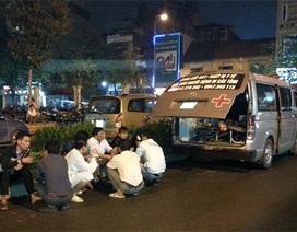 Tài xế xe cứu thương bị hành hung tại cổng bệnh viện