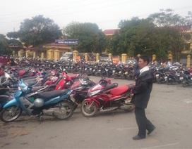 """""""Choáng"""" với phí gửi xe ngất ngưởng tại hội Lim"""