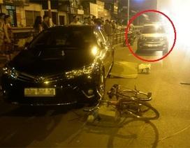 Hà Nội: Ô tô tông người đi xe đạp văng vào ô tô khác, chết thảm
