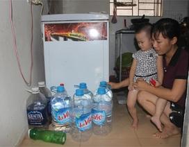 """Dân Thủ đô mua nước đóng bình để tắm: """"Chúng tôi vẫn cấp nước bình thường"""""""