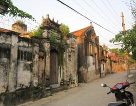 Thăm làng biệt thự cổ giữa vùng quê lúa