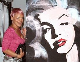 Pink chi mạnh cho bức tranh Marilyn Monroe